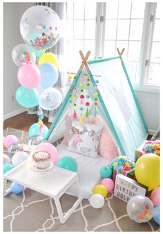Slumber Party Birthday, Fun Sleepover Ideas, Sleepover Birthday Parties, Girl Sleepover, Tent Parties, Princess Birthday, 7th Birthday Party For Girls Themes, Teen Birthday, Birthday Decorations