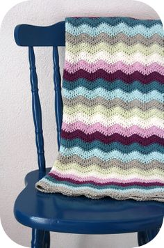 Crochet blanket chevron stripes