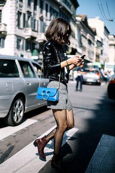 El Piercing Bag de J.W. Anderson -> El bolso punk de las chicas cool http://chezagnes.blogspot.com/2017/01/piercing-bag-jwanderson.html #PiercingBag #handbag #Bolso #JWAnderson #Streetstyle #ChezAgnes