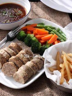 Just Try & Taste: Galantine Daging Sapi & Ayam dengan Sayuran Rebus dan Kentang Goreng