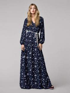 Tommy Hilfiger GIGI HADID - Maxi dress - blue for with free delivery at Zalando Gigi Hadid Looks, Style Gigi Hadid, Tommy Hilfiger Looks, Gigi Hadid Tommy Hilfiger, Fashion Mode, Star Fashion, Uk Fashion, Sporty Chic, Maxi Dress With Sleeves