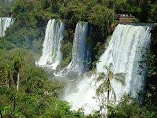 Beautiful falls in Argentina! Study Spanish, Learning Spanish, Iguazu Falls, Flora And Fauna, Latin America, Ecology, Waterfall, Adventure, Outdoor
