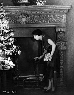 Bebe Daniels co-starred with Harold Lloyd for a series of comedies at Hal Roach. Hollywood Fashion, Hollywood Celebrities, In Hollywood, Hollywood Actresses, Classic Hollywood, Billie Dove, Bebe Daniels, Hollywood Forever Cemetery, Harold Lloyd