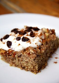 Apple Cinnamon Quinoa Breakfast Bake Protein-packed quinoa is just what you need to fuel your morning, and it'll help fend off fatigue as well. This apple cinnamon quinoa breakfast bake will warm you up for Fall. Quinoa Breakfast, Make Ahead Breakfast, Breakfast Bake, Breakfast Recipes, Breakfast Ideas, Apple Breakfast, Breakfast Casserole, Sweet Breakfast, Breakfast Cooking