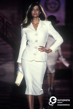 Stephanie Seymour - Versace Couture S/S 1995 90s Fashion, Runway Fashion, Fashion Show, Vintage Fashion, Fashion Outfits, Fashion Design, Versace Suits, Original Supermodels, Stephanie Seymour