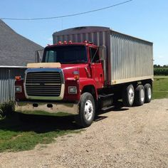 1992 Ford LA8000 for sale by owner on Heavy Equipment Registry  http://www.heavyequipmentregistry.com/heavy-equipment/15317.htm