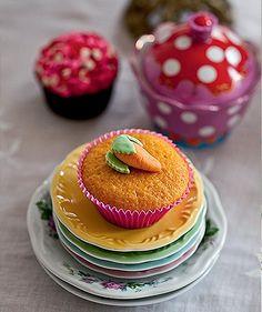 Receita Cupcake de cenoura - http://revistacasaejardim.globo.com/Casa-e-Comida/Receitas/Doces/noticia/2014/04/cupcake-de-cenoura.html