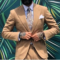 DapperonfireさんはInstagramを利用しています:「「If we do what is necessary, all the odds are in our favor.」 Great pic by @rui_martins_bespoke ! #pittiuomo #intelligentstyling #Repost…」