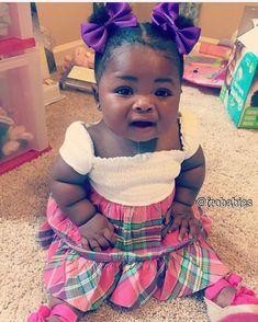 Rolls of Cuteness! Lord give me a sweet baby like her! Cute Black Babies, Beautiful Black Babies, Brown Babies, Black Kids, Cute Baby Girl, Beautiful Children, Little Babies, Cute Babies, Living Dolls
