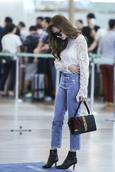 Jessica at Incheon Airport To China Snsd Airport Fashion, Kpop Fashion, Fashion 2017, Daily Fashion, Girl Fashion, Fashion Outfits, Chic Outfits, Korean Fashion Work, Korean Fashion Winter