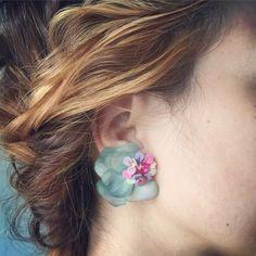 Jewelry Design Earrings, Red Jewelry, Unique Earrings, Flower Earrings, Designer Earrings, Fashion Earrings, Fashion Jewelry, Bijoux En Or Simple, Antique Jewellery Designs