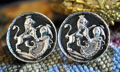 Beautiful Cuff Links Lion and Crest Vintage $18.00 make a necklace!