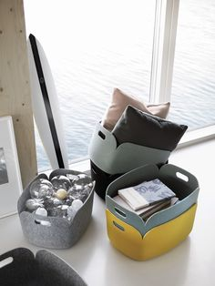Designer: Mika Tolvanen Country of Origin: Denmark Manufacturer: Muuto Materials: Moulded Felt Why is it Special? Designed by Mika Tolvanen for Muuto. Small Storage, Storage Baskets, Storage Ideas, Office Shop, Home Deco, Muuto, New Nordic, Nordic Style, Round Basket