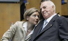 Former German chancellor Helmut Kohl 'fighting for life'