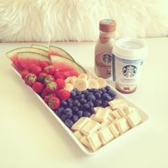 Image uploaded by ♔. Find images and videos about love, food and swag on We Heart It - the app to get lost in what you love. Healthy Lunches For Work, Healthy Snacks, Healthy Recipes, Yummy Recipes, I Love Food, Good Food, Yummy Food, Bebidas Do Starbucks, Sushi