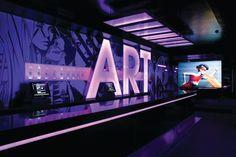 Club Musée crea drama, teatro y color como los elementos protagónicos de un banquete visual, lo último en ambiente nocturno que nos ofrece la ciudad de Madrid. El diseño contó con interiores y dirección creativa de Parolio & Euphoria Lab, también responsables de la realización conceptual de la discoteca Pacha Madrid y el restaurante-lounge Le Marquis.