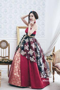 1464 best modern hanbok images in 2019 korean dress, korean Korean Traditional Clothes, Traditional Fashion, Traditional Dresses, Korean Fashion Work, Asian Fashion, Korea Dress, Modern Hanbok, Oriental Fashion, Korean Outfits