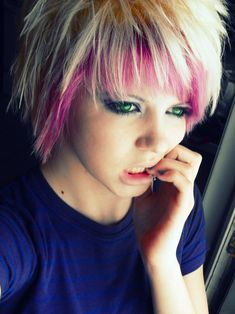 Scene+Girls+with+Pink+Hair | short blonde emo hairShort Scene Hair blonde pink short Emo Hair ...