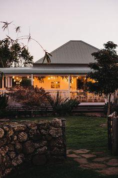 Real Wedding // Katrina & Josh's byronviewfarm wedding - Byron Bay Weddings Dream Home Design, My Dream Home, House Design, Cottage Design, Byron Bay Weddings, Interior Garden, House Goals, House Front, Weatherboard House