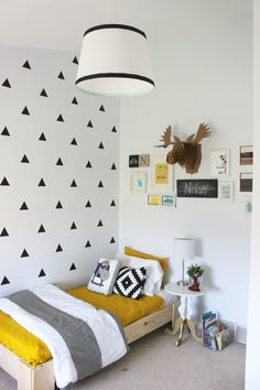 Boys room. Triangle decals.