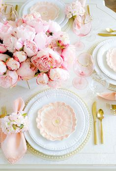 Pink Peony Easter Table - super simple Easter table with faux pink peonies, cherry blossoms and pretty floral plates. This table is a show stopper! Easter Table Settings, Easter Table Decorations, Decoration Table, Easter Decor, Easter Ideas, Easter Crafts, Easter Centerpiece, Tall Centerpiece, Easter Recipes