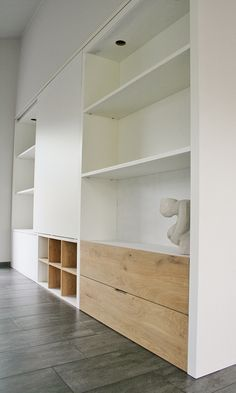 Mixed ply and white Living Room Shelves, Alcove Storage, Home Office Design, Home And Living, Built In Furniture, Home Living Room, House Interior, Wall Unit, Living Room Storage