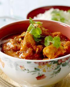 Jalfrezi is een Indische curry met Chinese invloeden. We maken een lekker lichte versie met kalkoen, tomaat en lekker veel kruiden. Smakelijk!