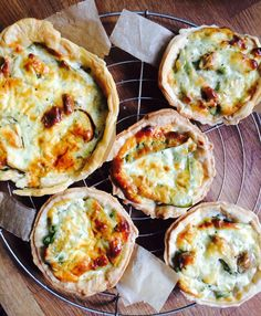 Mini Quiche  Zuckerschoten, Erbsen, Porcini homemade