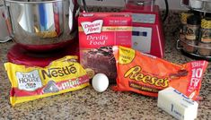 Chocolate Cake Reeses Peanut Butter Chunk Cookies 1 box devils food cake mix 1 stick (8 tablespoons) butter, melted (if dough seems too dry, add 2 more Tbsp melted butter) 1 large egg 2 cups mini chocolate chips 25 mini Reeses Peanut Butter Cups 1. Preheat oven to 350 degrees F. and line a large …