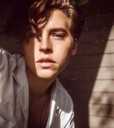 Cole Sprouse by Damon Baker Cole Sprouse Hot, Cole Sprouse Jughead, Dylan Sprouse, Cole Sprouse Aesthetic, Cole Sprouse Wallpaper, Cole Spouse, Zack Y Cody, Dylan And Cole, Riverdale Cole Sprouse