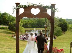 Vinoklet winery outdoor wedding