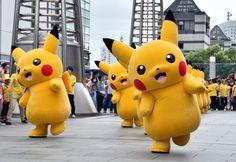 10 Celebs Who are Addicted to Pokemon Go
