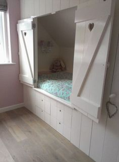 """[""""The homemade bedstead with walk-in closet from our daughter. It stays beautiful.""""] Translated from Dutch to English 🙂 Box Bedroom, Girls Bedroom, Bedroom Decor, Room Interior, Interior Design Living Room, Built In Bed, Attic Bedrooms, Diy Bed, Little Girl Rooms"""