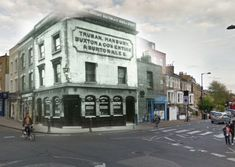 The Rose & Crown at its original location in Stoke Newington Church Street before it was rebuilt in the early 1930's across the street when the junction was widened.