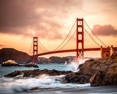 The Golden Gate Bridge, San Francisco, California, USA. San Francisco Sites, San Francisco Bridge, Amazing Places On Earth, Beautiful Places, Golden Gate Bridge Wallpaper, Golden Gate Bridge Painting, Puente Golden Gate, California Camping, California Usa