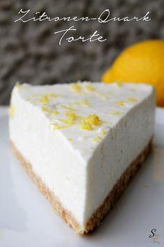Leckeres Rezept für eine cremige Zitronen-Quark-Torte mit einem Boden aus Keksen. Außerdem stelle ich eine Reibe/Zester von Microplane vor.