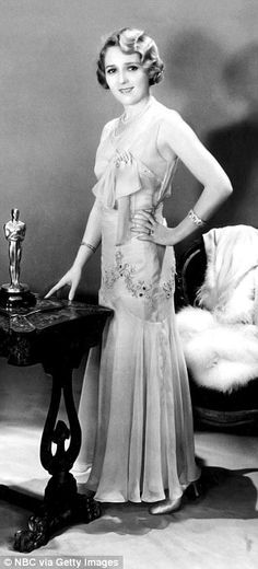 """Sexy Mary Pickford with her Best Actress Oscar for """"Coquette"""" 1929."""