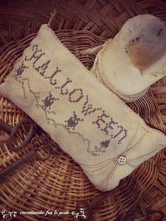 halloween pinkeep primitive cross stitc by primitiveacorns on Etsy, €3.00