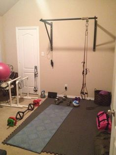200 sq ft mirrored home gym w/ builtin tv and rubber