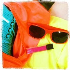 @TheDarling_Diva mixing colors with her bright @ClubMonaco skirt! #YouBoughtIt