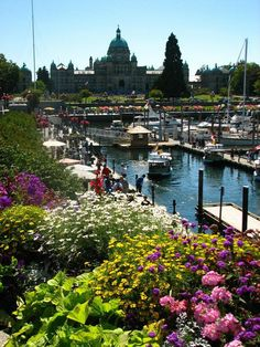 VANCOUVER ISLAND: Victoria This is a beautiful place in Canada that invites exploration and writing. Yet another place to revisit. O Canada, Canada Travel, Places To Travel, Places To See, Places Around The World, Around The Worlds, Beautiful World, Beautiful Places, Quebec