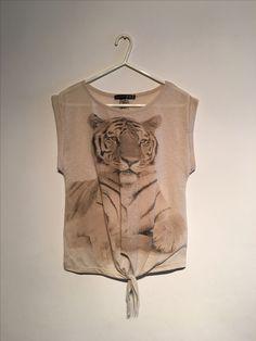 Neutral Tops, T Shirts For Women, Fashion, Moda, Fashion Styles, Fashion Illustrations