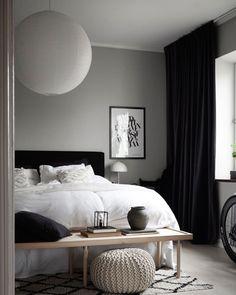 Modern Vintage Bedrooms, Modern Bedroom Decor, Master Bedroom Design, Bedroom Vintage, Modern Room, Bedroom Wallpaper Love, Clean Bedroom, Soho House, Minimalist Bedroom
