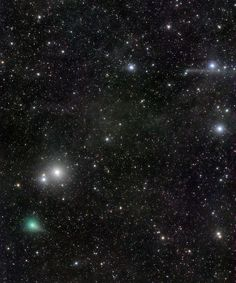 Une photo rare : deux comètes font la course côte-à-côte tout près des Pléïades... C/2017 O1 ASASSN et C/2015 ER61 PanSTARRS... En septembre 2017 par Jose J. Chambo (Cometografia)