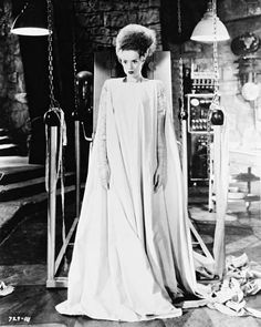 13 Elsa Lanchester (The bride of Frankenstein, (imagem JPEG, 1313 × 1600 pixels) Movie Wedding Dresses, Wedding Movies, Aleister Crowley, Louise Brooks, The Vamps, Marchesa, Vivienne Westwood Wedding Dress, Bride Of Frankenstein Costume, Young Frankenstein