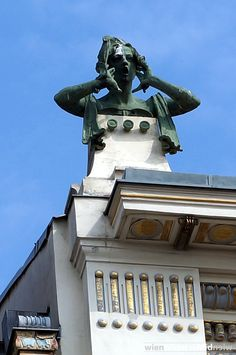 """The sculptures of """"the calling women"""" were created by Othmar Schimkowitz Movement Architecture, Art Nouveau Architecture, Architecture Details, Otto Wagner, Vienna Secession, Glasgow School Of Art, Arte Floral, Yoga For Men, Art Deco Design"""