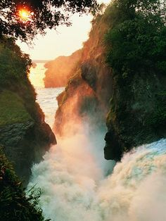 Where is your dream hike? Picture of a sunset over Murchison Falls, River Nile, Uganda #hiking #WoopWear