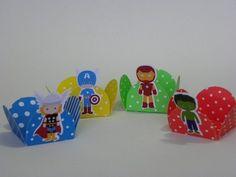 Forminha Decorada Os Vingadores 24 unidades para montar  www.petilola.com.br