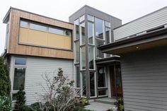 Vertical House Siding: Considerations and Design Ideas