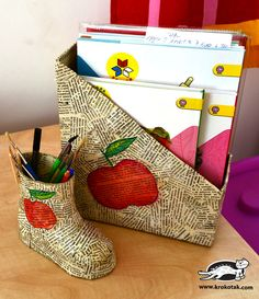 4Child's Boot Pencil Holder Papier-Mâché